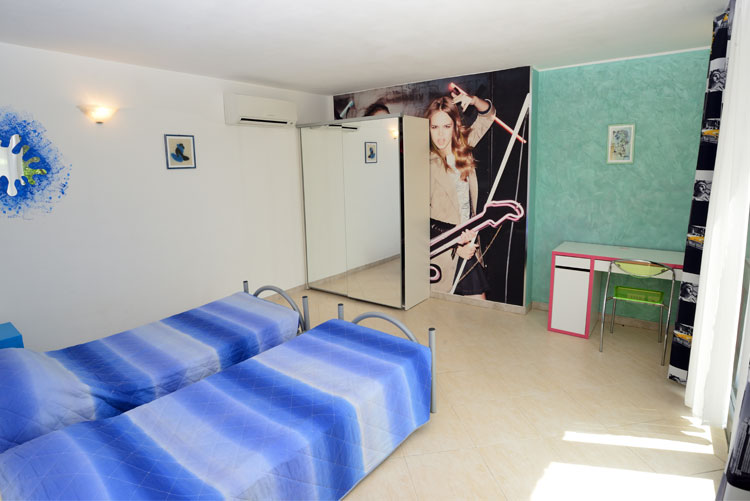 Freedom apartment: bedroom 2 | Costadoro Holiday Home in Imperia