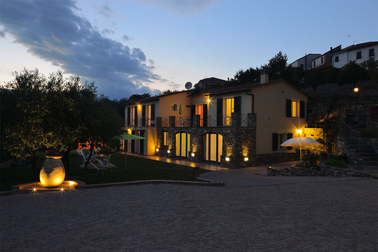Costadoro Holiday Home in Imperia - night view